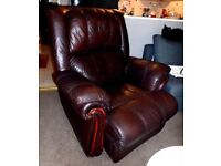 FINE SOFT REAL LEATHER CHOCOLATE BROWN SUPER COMFORTABLE ELECTRIC RECLINING ARMCHAIR MAHOGANY FRAME