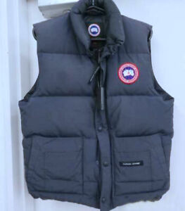 Canada Goose Freestyle Vest •   Navy Blue • Mens Medium