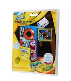 spunge bob video camera fully working order needs 2 batterys only grate for young person camerah