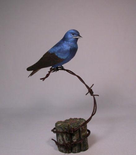 Backyard Bird Carving Purple Martin Original/Birdhug