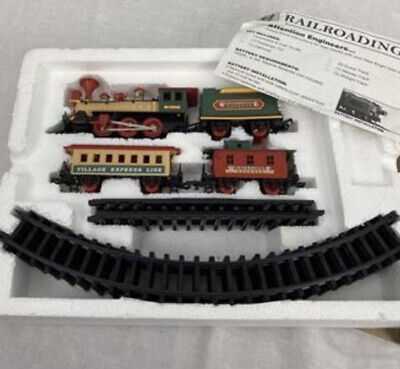 CHRISTMAS TRAIN SET NEW BRIGHT WINTERSVILLE EXPRESS BATTERY OPERATED UNDER TREE