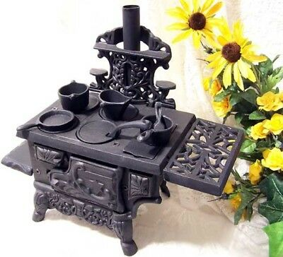 Antique Style Cast Iron Cooking Oven Pots Pans Set Miniature Wood Burning Stove