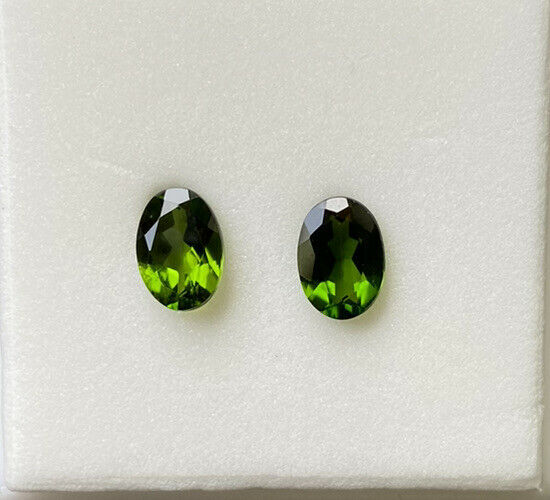 matched pair chrome diopside 1.50tcw 7x5mm oval gemstone