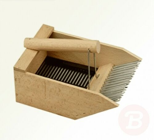A Berry Comb Berry Picker Wooden 248006