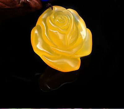 Fashion Natural Yellow Jade Rose Hand-Carved Lucky Amulet Necklace Pendant