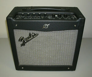 Amplifier Speaker Mustang by Fender