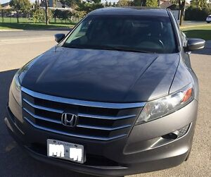 2010 Honda Accord Crosstour Hatchback-Fully Loaded