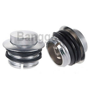 CHROME-GAS-FUEL-CAP-CAPS-SET-FOR-HARLEY-82-UP-SCREW-TYPE-TANK-CAP