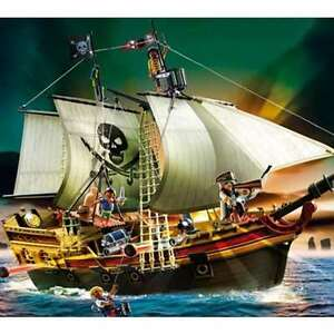 NEW-Playmobil-Pirate-Attack-Ship-5135-Floats-on-Water-Sold-Out