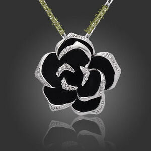 White-gold-GP-SWAROVSKI-Crystal-rose-necklace-118