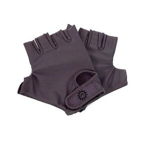 Gear Monkey Universal Gaming Gloves for Wii Gaming System - New in Box