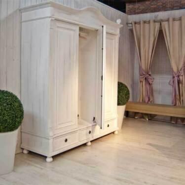landhaus kleiderschrank massivholz shabby chic mit spiegel in dortmund dortmund. Black Bedroom Furniture Sets. Home Design Ideas