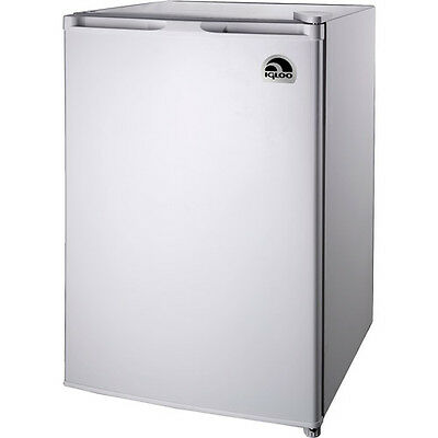 ثلاجة صغيرة جديد Igloo 4.5 cu. ft. Refrigerator and Freezer, FR464