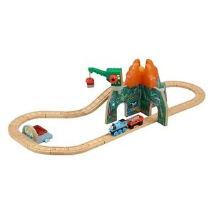 Fisher-Price Thomas & Friends Wooden Railway Set - Volcano Park