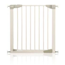 Lindam sure shut safety gates
