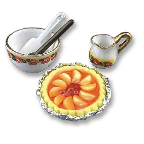 Miniature dollhouse Reutter Porcelain Peach Pie Set 1.864/8 retired
