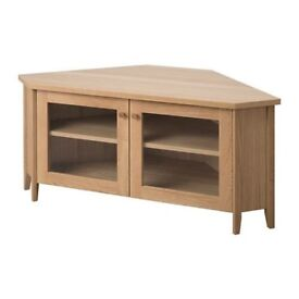 Corner TV stand solid. Retails £120, selling £60 .pristine condition. Pick up or drop off if local