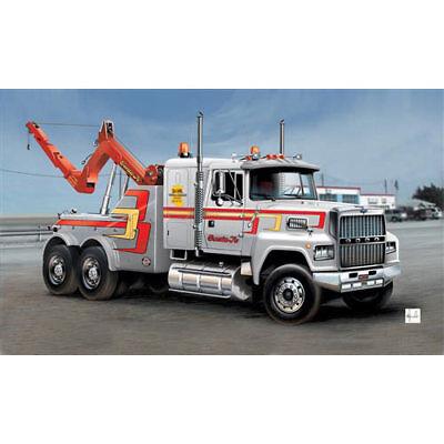 ITALERI US Wrecker Truck 3825 1:24 Model Kit Trucks