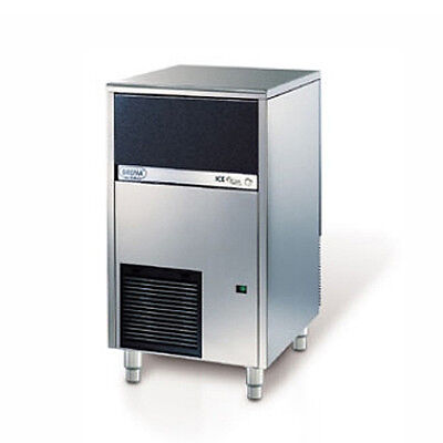 Brema Cb425a 102lb Undercounter Cube Style Ice Maker