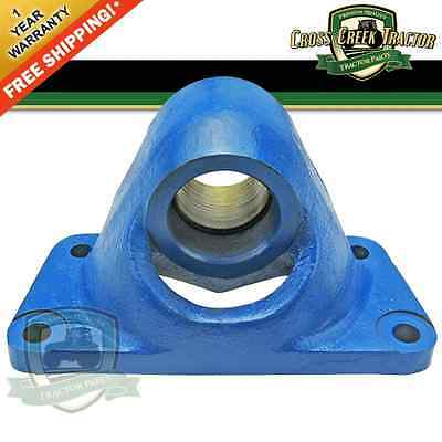 C5nn3n050b New Ford Pivot Bracket W Bushing Fits 4000 4600 3910 4610 4630