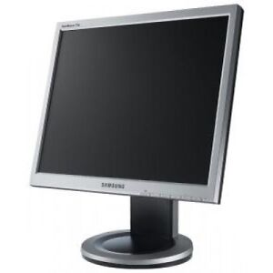 Almost new Samsung Sync Master Monitor