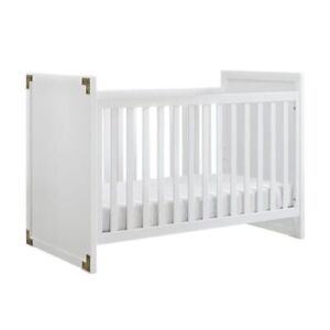 BNIB Baby parka Miles 2 in 1 convertible crib in white