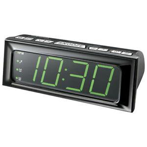 Insignia AM/FM Clock Radio - Black *boxed* *good gift*
