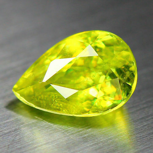 1.13 CTS_WORLD CLASS LIMITED EDITION_100 % NATURAL TITANITE GREEN SPHENE_RUSSIA
