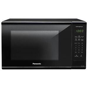 Panasonic 1.3 Cu. Ft. Microwave (NNSG626B) - Black