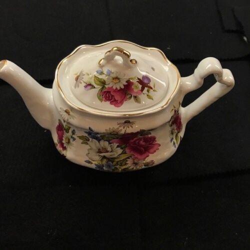 Vintage Arthur Wood & Son floral teapot 6340 Staffordshire England gold trim