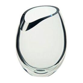 BRAND NEW - DARTINGTON Crystal Curve Vase - worth £95