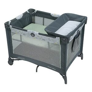 """Graco """"pack'n'play""""Deluxe portable playpen with changing station"""