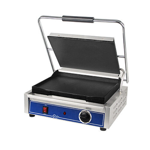 Globe GSG1410 Mid-Size Electric Sandwich Grill with Smooth Plates
