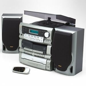 Turntable / CD player / AM FM Radio / Stereo