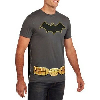 BATMAN Logo Men's Graphic Tee with Detachable Cape Size L 42/44 NWT - Superhero Shirts With Capes
