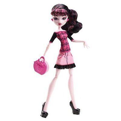 2013 Monster High Scaris Basic Travel Draculaura