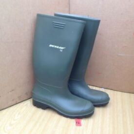 NEW DUNLOP WELLINGTONS BOOTS WELLIES RUBBER SHOES SIZE 9(43) GREEN. MENS/LADIES