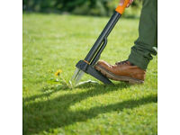 FISKARS W52 MECHANICAL WEED PULLING GARDEN LAWN TOOL LIFT WEEDS WITHOUT BENDING.