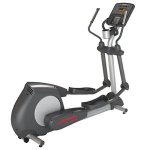 Life Fitness Elliptical Cross Trainer