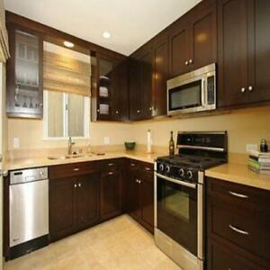 High Quality Solid Wood Kitchen Cabinets on Sale under $5000 for Supply & Install