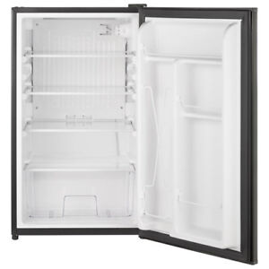 MINI FRIGO NEUF  INOX/BRAND NEW MINI FRIDGE stainless steel