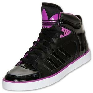 What Is The Fashionable Woman S Tennis Shoe For