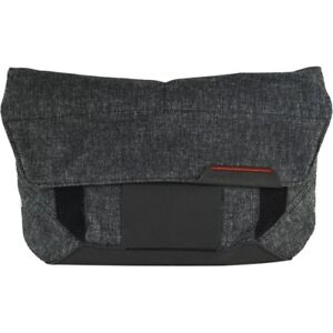 Looking for a Peak Design Field Pouch (Charcoal)