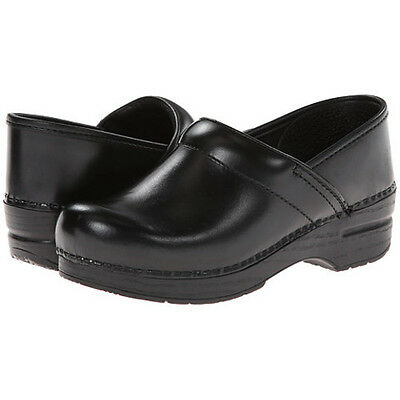 Dansko PROFESSIONAL BLACK CABRIO Womens Leather Slip On Closed Back Clog Shoes (Leather Womens Clog)