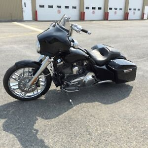 HARLEY DAVIDSON STREET GLIDE SCREAMING EAGLE FLHXSE