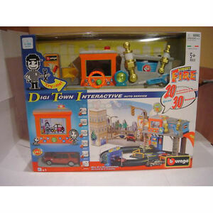 NEW: Bburago Street Fire Interactive Digi Town Playset Incl 1 Ca
