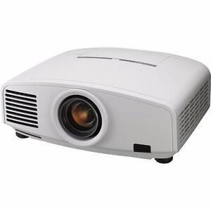 Mitsubishi XD2000U DLP projector