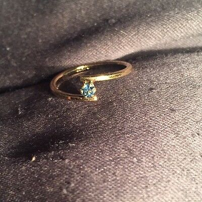 Vintage 70s Estate AVON 0.25ct Blue Sapphire Gold Plated Cocktail Ring size 6.5
