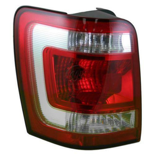 ford escape tail light ebay. Black Bedroom Furniture Sets. Home Design Ideas