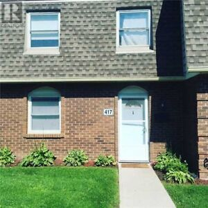 Beautiful 3 bedroom , 2.5 bath condo in Lockwood Meadows